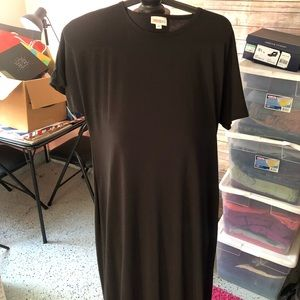Brand New With Tags! LuLaRoe Solid Black Maria!